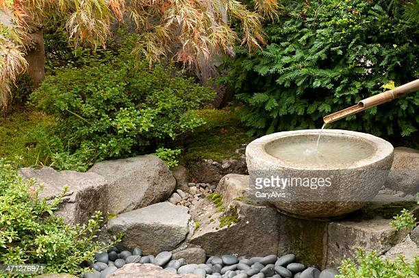 water fountain - fountain stock pictures, royalty-free photos & images