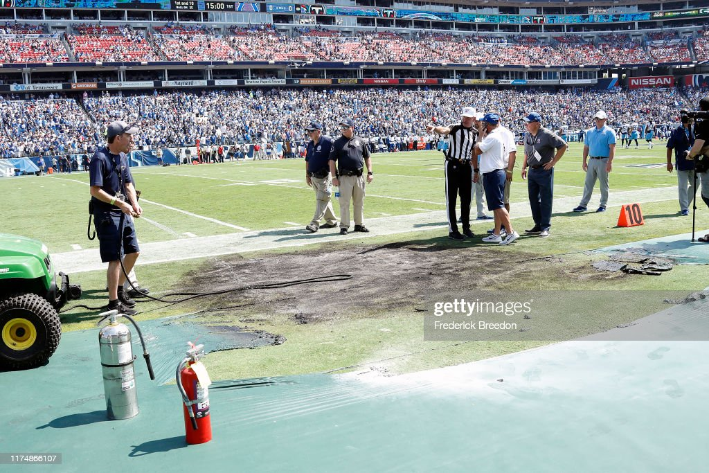 Indianapolis Colts vTennessee Titans : News Photo