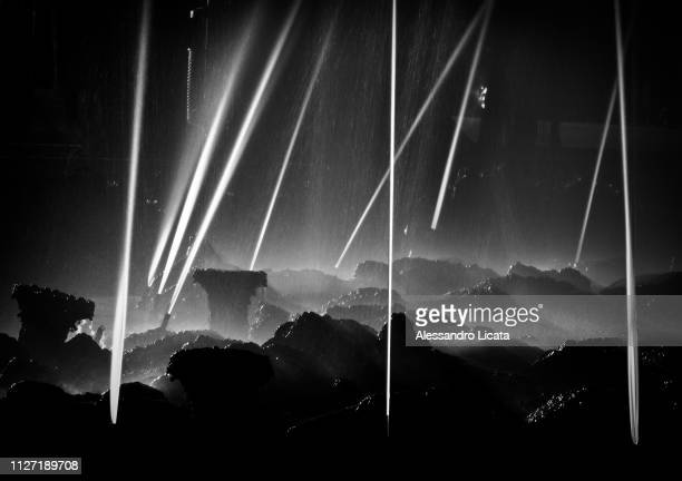 water jets abstract fountains - bagnato stock pictures, royalty-free photos & images