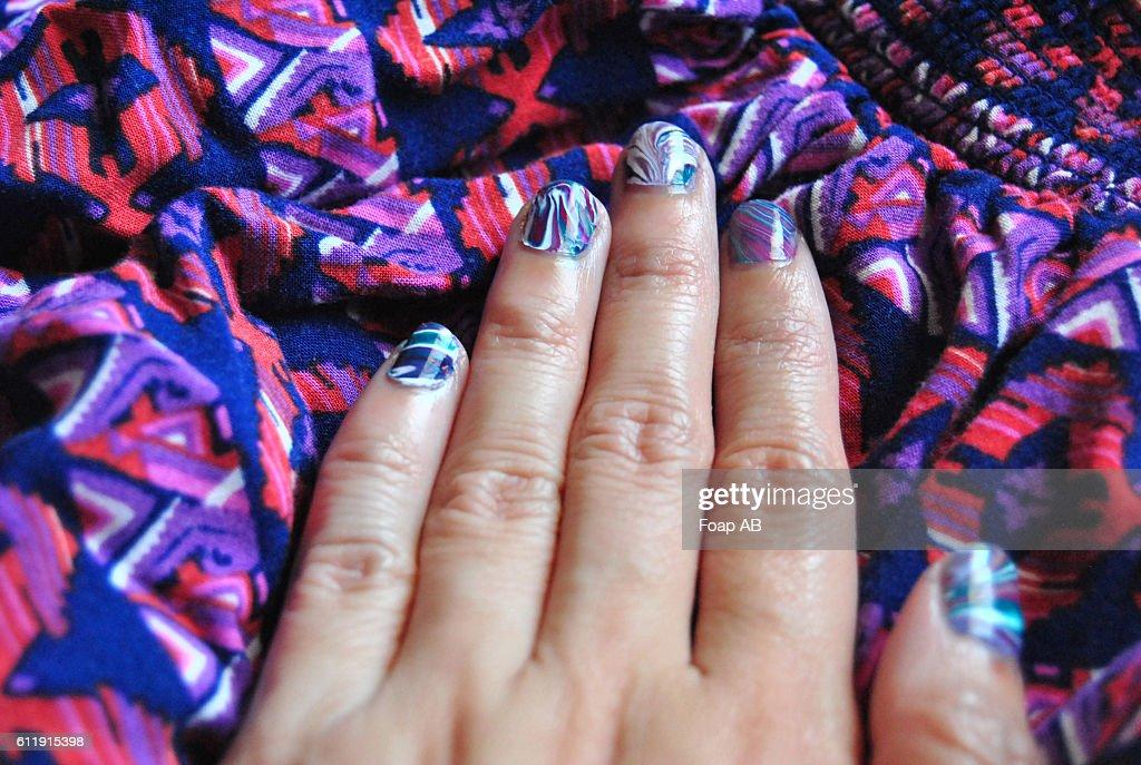 Funky Water Finger Nails Ornament - Nail Art Ideas - morihati.com