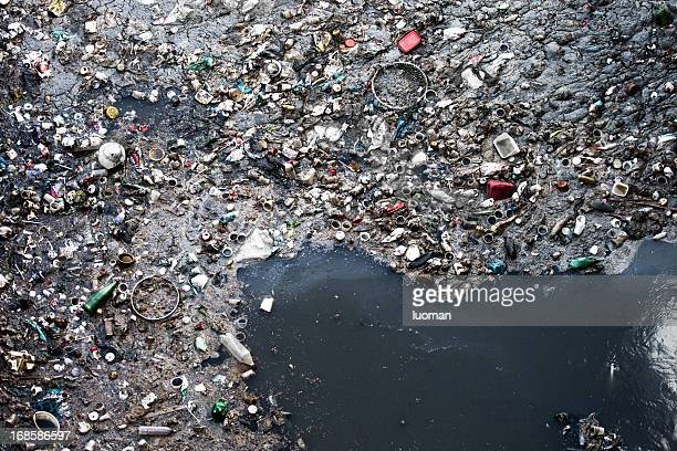 water pollution - plastic stockfoto's en -beelden