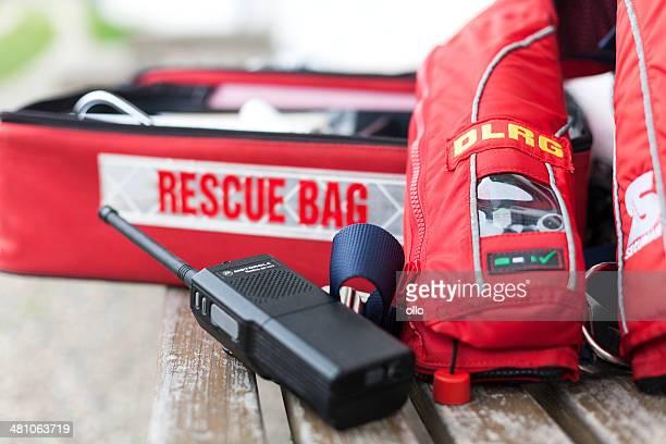 海からの救出、監視員の機器