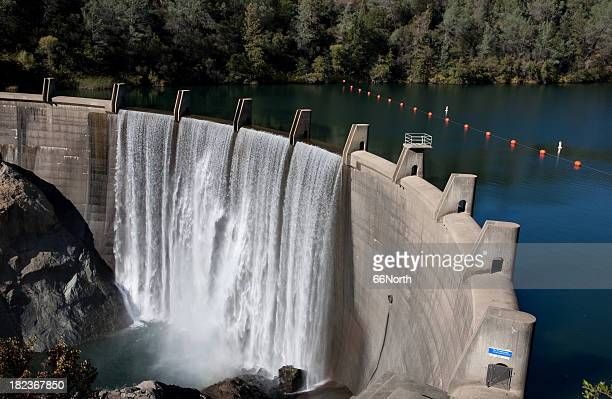 water reservoir dam wall rocks concrete full drinking drought - reservoir stock pictures, royalty-free photos & images
