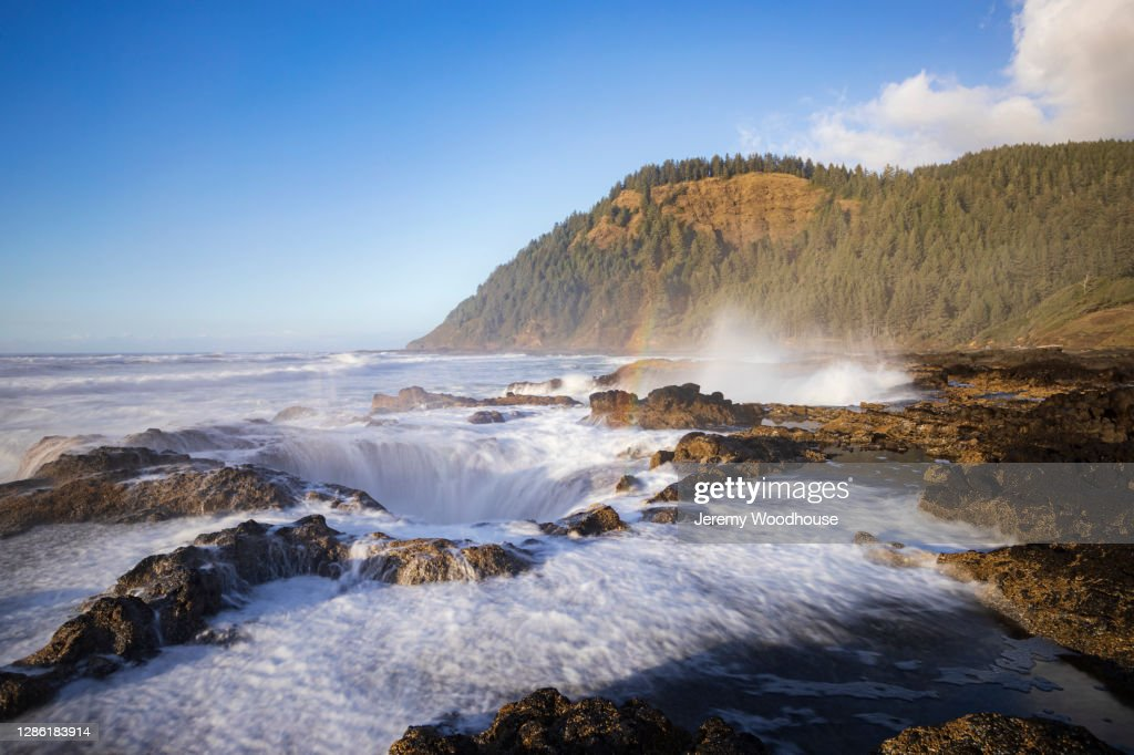 Water Spraying from Thor's Well : Stock Photo