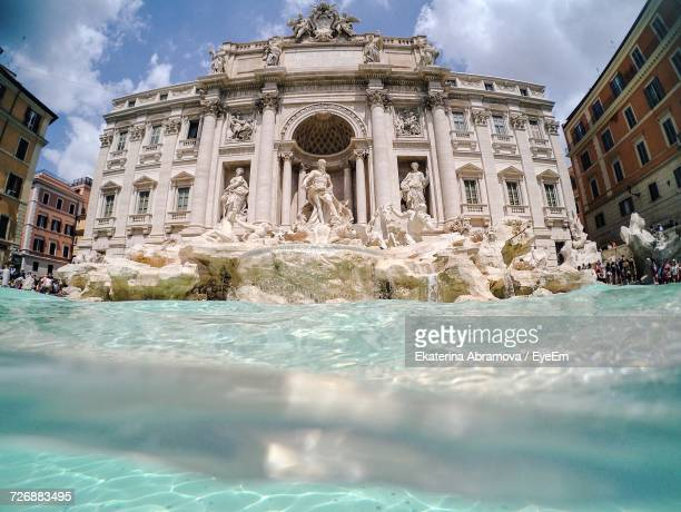 water surface view of trevi fountain - trevi fountain stock pictures, royalty-free photos & images