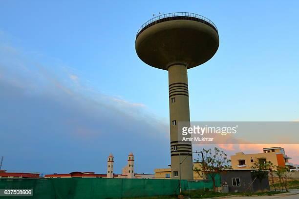 water tank - ラワルピンディ ストックフォトと画像