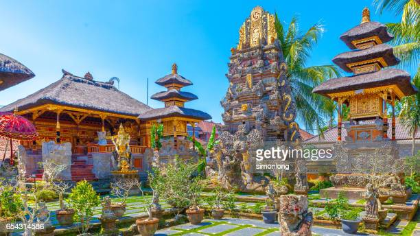 water temple in central ubud,bali , indonesia - ubud district stock pictures, royalty-free photos & images