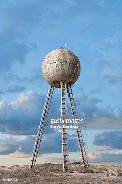 water tower - eric van den brulle fotografías e imágenes de stock