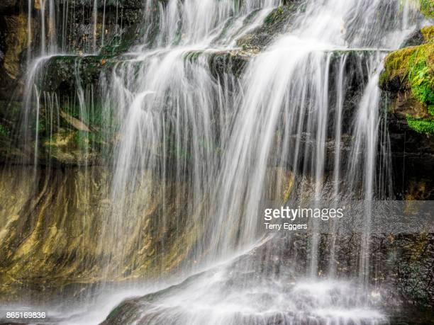 waterall in upper michigan - parque estatal de porcupine mountains wilderness fotografías e imágenes de stock