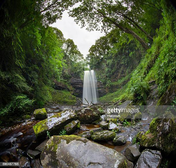 waterfall, brecon beacons national park, wales, uk - mattscutt stock pictures, royalty-free photos & images