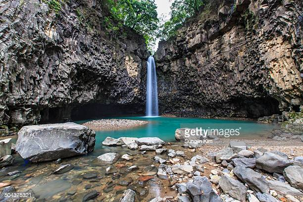 waterfall from the valley - sungjin kim stock pictures, royalty-free photos & images