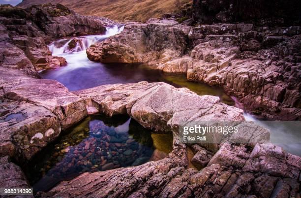 waterfall iii - erika de la vega fotografías e imágenes de stock