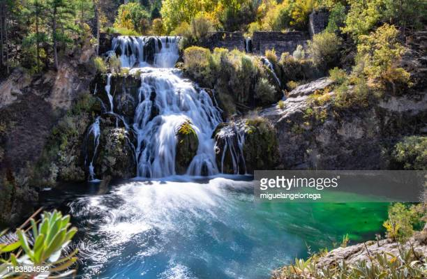 waterfall in the high tajo, spain - miguelangelortega fotografías e imágenes de stock