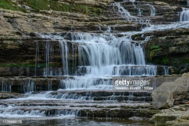 waterfall of the molino el bolao - teodosio moreno fotografías e imágenes de stock