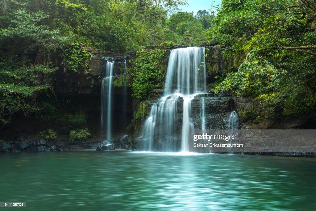 Waterfall (Klong Chao) on Koh Kood island : Stock-Foto