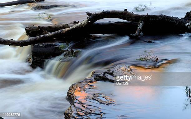 en cascada - parque estatal de porcupine mountains wilderness fotografías e imágenes de stock