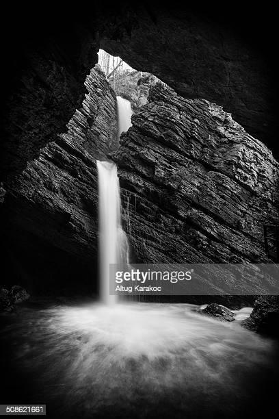 waterfall - altug karakoc - fotografias e filmes do acervo