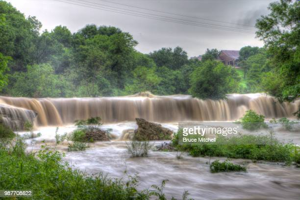 #2 dcc waterfall - brook mitchell stock pictures, royalty-free photos & images