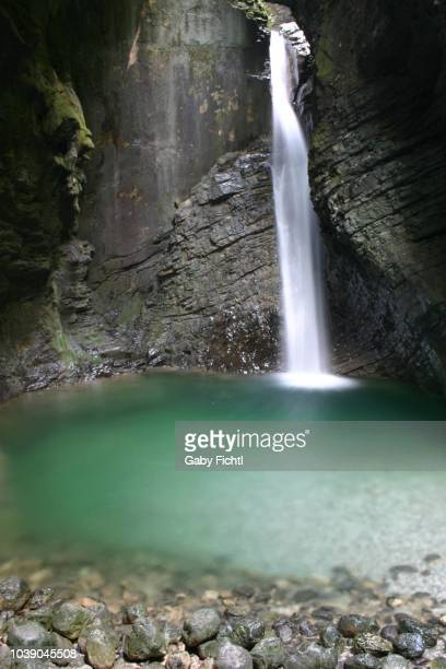 waterfall, slap virje, slovenia - pets stockfoto's en -beelden