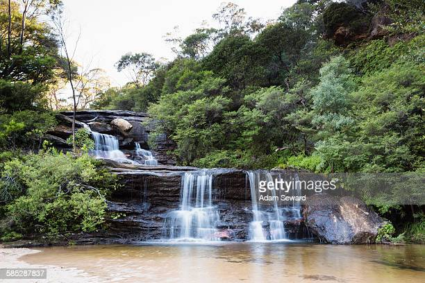 waterfall, wentworth falls, blue mountain national park, new south wales, australia - katoomba stock pictures, royalty-free photos & images