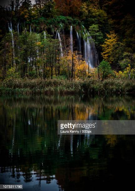waterfalls into water - laura woods stock pictures, royalty-free photos & images