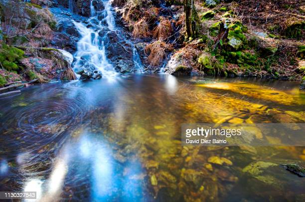 waterfalls la chorrera mojonavalle. canencia, madrid. spain. - mojado stock pictures, royalty-free photos & images