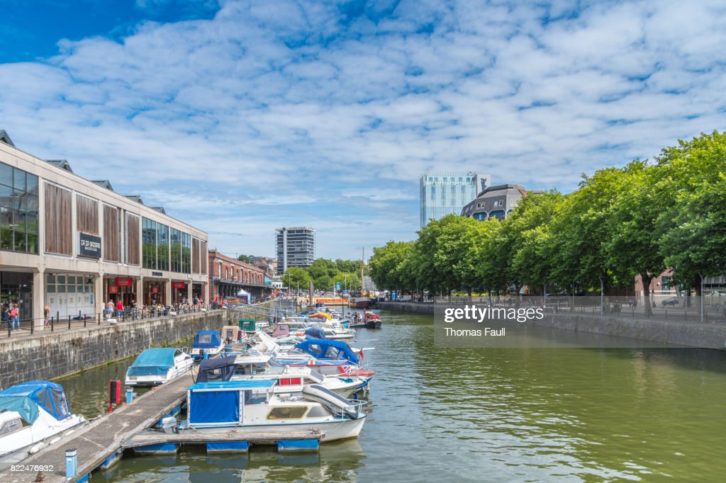 Waterfront area of Bristol with boats moored up : Stock Photo