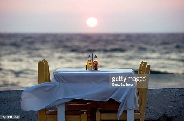 waterfront dining table - cruet stock photos and pictures