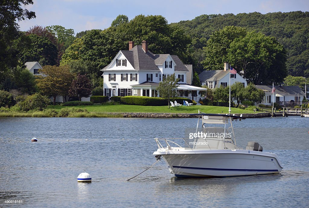 Waterfront luxury house : Stock Photo