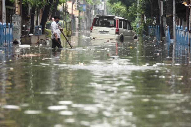 IND: Heavy Rain Lashes Parts Of Kolkata