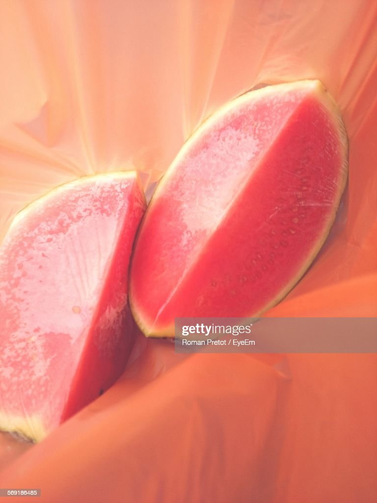 Watermelon slices indoors : Stock-Foto