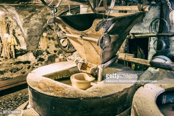 watermill - mulino ad acqua foto e immagini stock