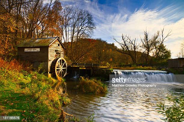 waterwheel - mulino ad acqua foto e immagini stock