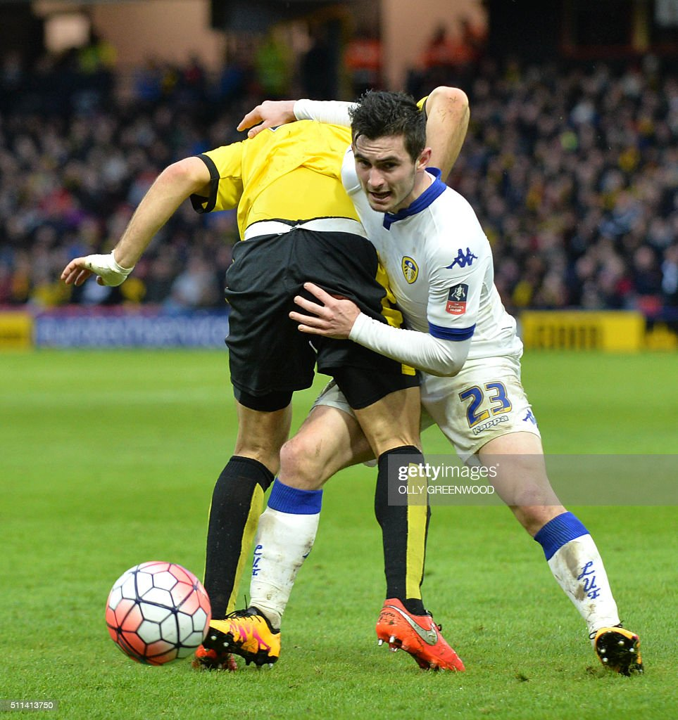 Watford's English midfielder Ben Watson (L) vies with Leeds United's English midfielder Lewis Cook (R) during the FA cup fifth round football match between Watford and Leeds United at Vicarage Road in north London on February 20, 2016. / AFP / OLLY GREENWOOD / RESTRICTED TO EDITORIAL USE. No use with unauthorized audio, video, data, fixture lists, club/league logos or 'live' services. Online in-match use limited to 75 images, no video emulation. No use in betting, games or single club/league/player publications. /