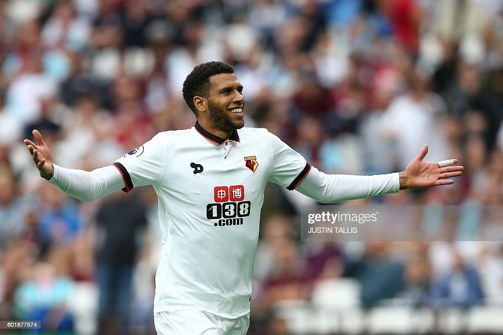 Watford's French midfielder Etienne Capoue celebrates scoring his team's third goal during the English Premier League football match between West Ham United and Watford at The London Stadium, in east London on September 10, 2016. / AFP / JUSTIN TALLIS / RESTRICTED TO EDITORIAL USE. No use with unauthorized audio, video, data, fixture lists, club/league logos or 'live' services. Online in-match use limited to 75 images, no video emulation. No use in betting, games or single club/league/player publications. /