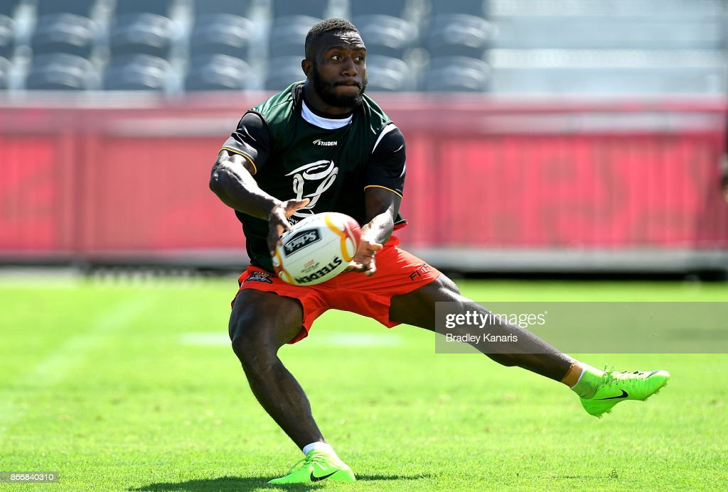 Watson Boas passes the ball during a PNG Rugby League World Cup captain's run at the Oil Search National Football Stadium on October 27, 2017 in Port Moresby, Papua New Guinea.