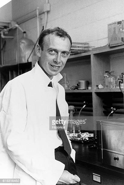 Watson Dr James cowinner 1962 Nobel Prize in medicine