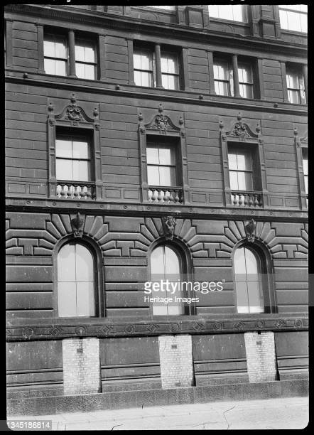 Watts Warehouse, 47 Portland Street, Manchester, 1942. A detailed view of Watts Warehouse, now the Britannia Hotel, showing three bays of the...