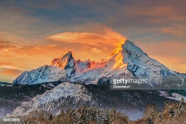 watzmann at sunrise - alps - berchtesgaden stockfoto's en -beelden