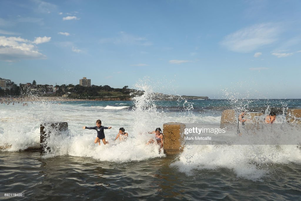 Sydneysiders Attempt To Keep Cool As Temperatures Forecaset To Push Past 40 Degrees