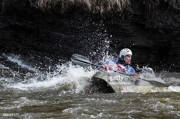 ola desde el lateral - río swift fotografías e imágenes de stock