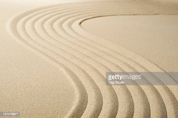 Wave pattern in the sandpit