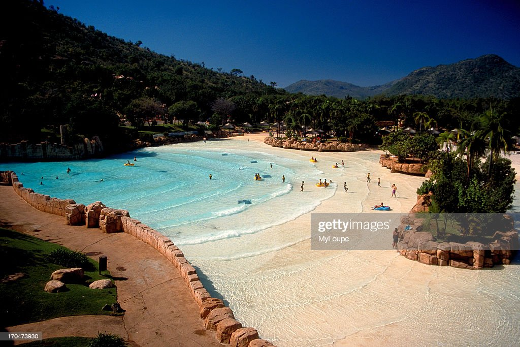 Wave pool at the palace of the lost city at sun city pilanesberg photo d 39 actualit getty for Sun valley idaho swimming pool