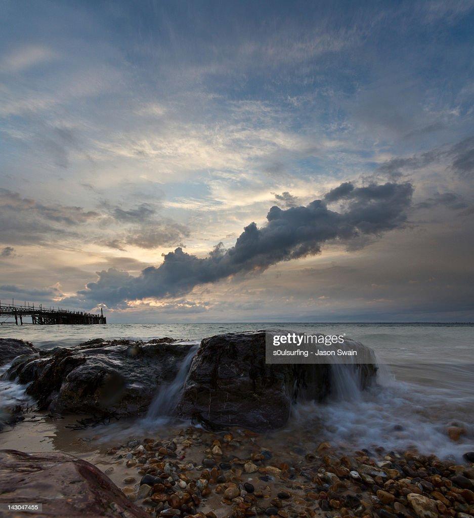 Waves crashing on rock : Stock Photo