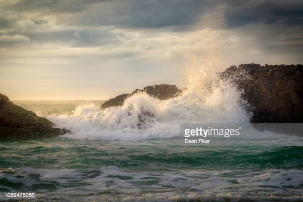 waves crashing the oregon coast - pacific ocean stock pictures, royalty-free photos & images
