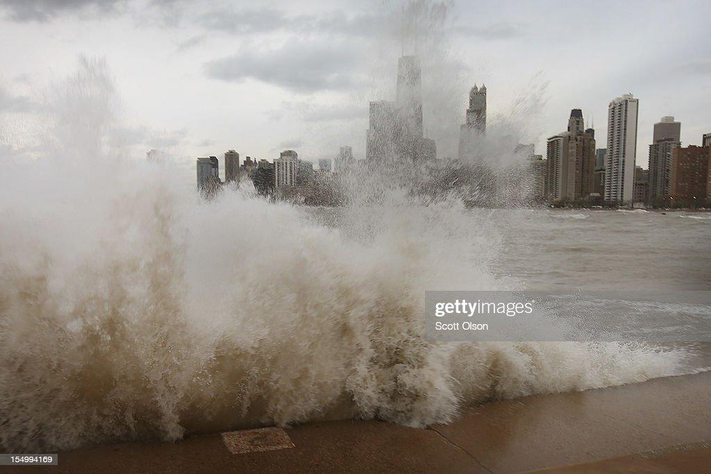 """Frankenstorm"" Generates Large Waves On Lake Michigan : News Photo"