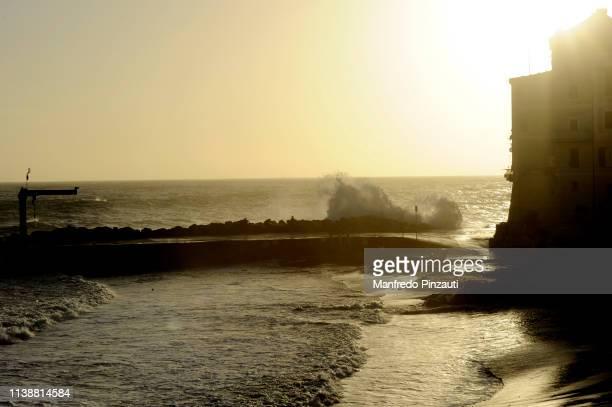 waves in bogliasco ( genova ) . - liguria fotografías e imágenes de stock