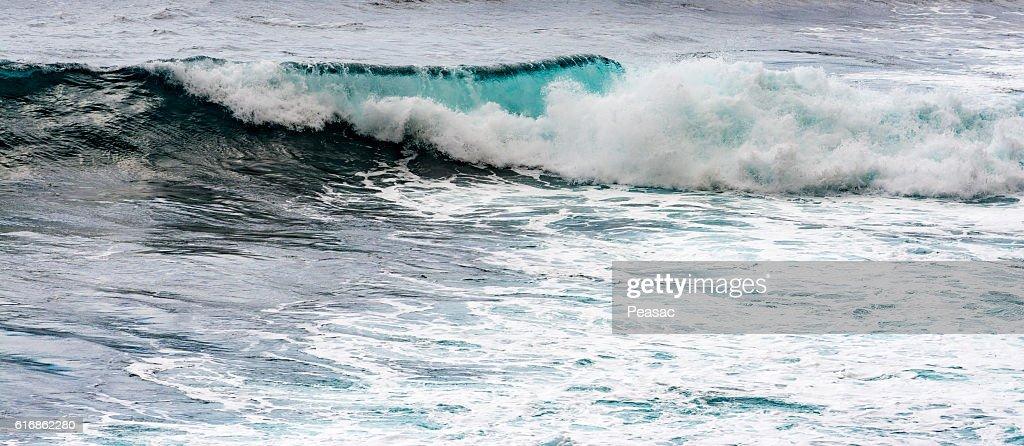 Waves in ocean : Stock Photo