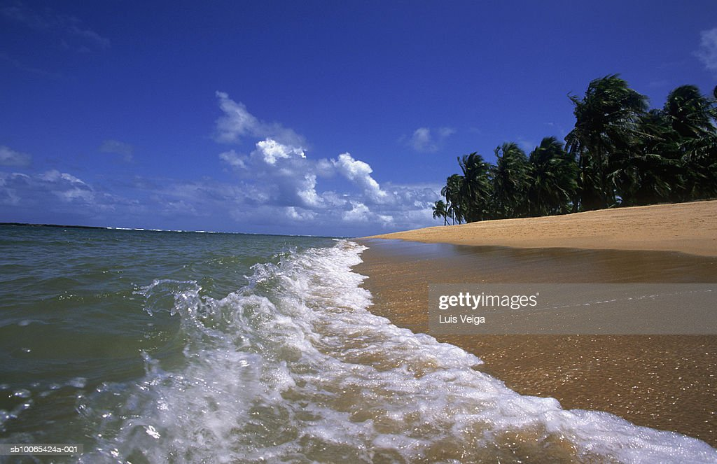 Waves on beach : Foto stock