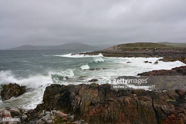 waves on the atlantic beach - países del golfo fotografías e imágenes de stock